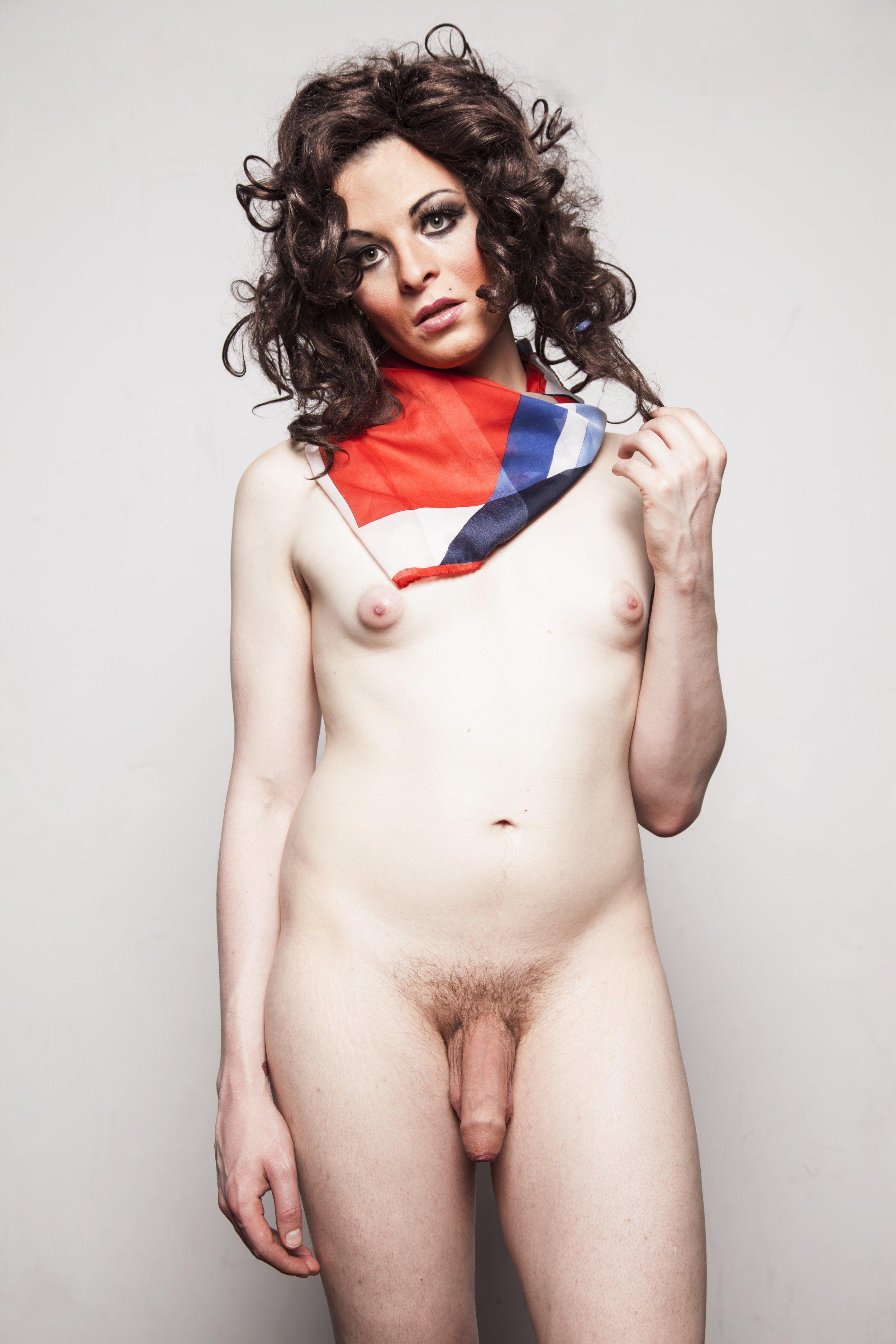 BRUCE LABRUCE (1964)  Transwoman with scarf,  2012, fotografía impresión digital, 61 x 43