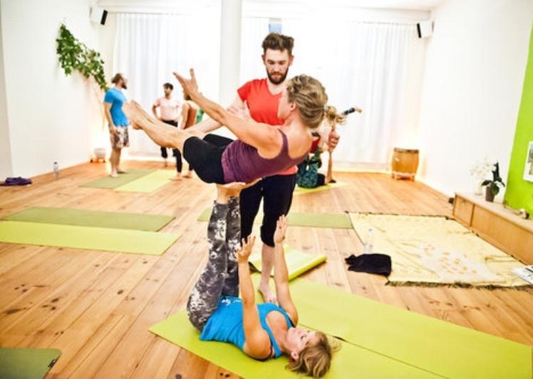 Yogabande_AcroYoga_Hannover_Jam.jpg