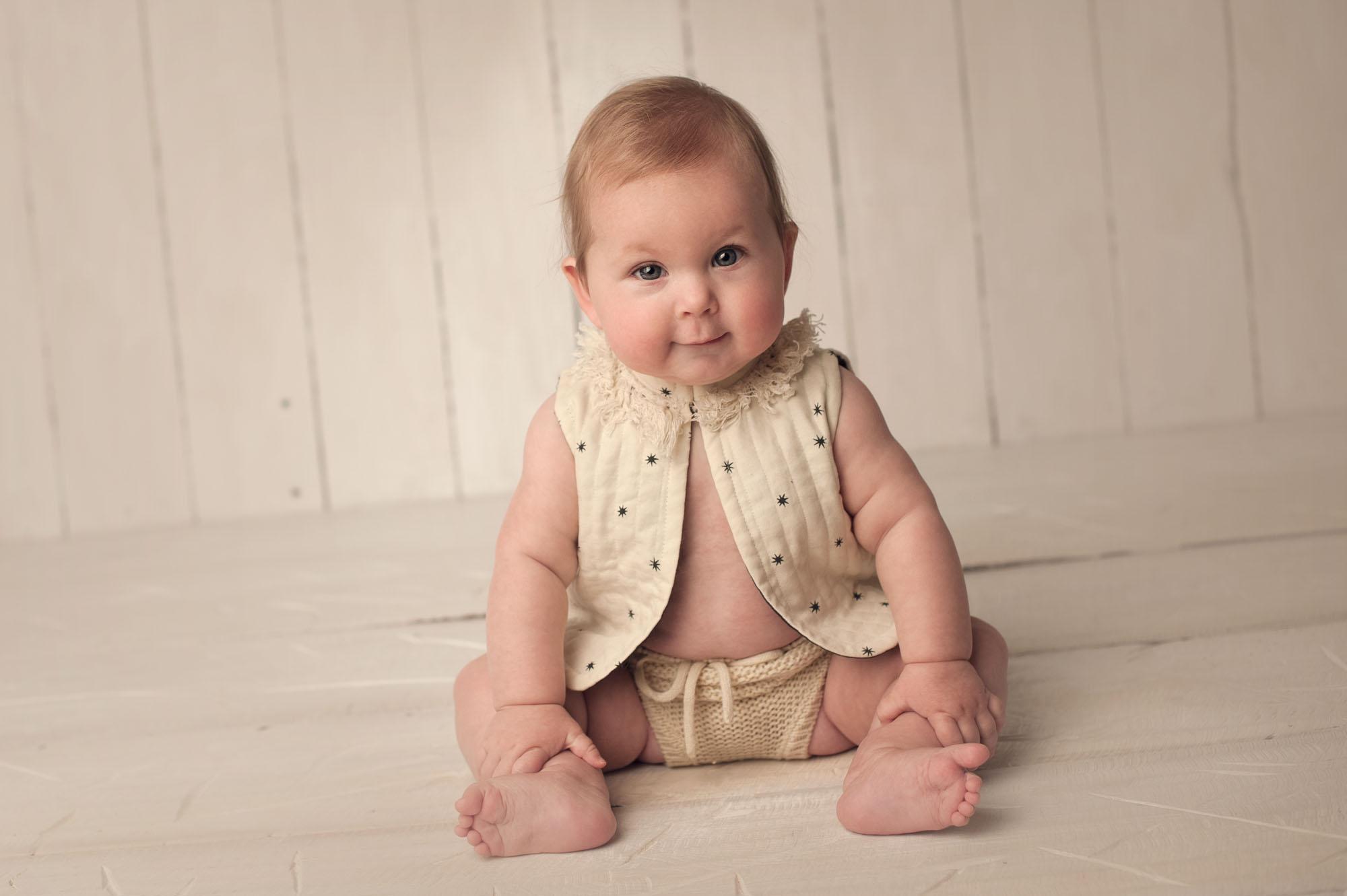 newbornphotographermadisonbornarchivalco_10.jpg