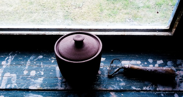 Sugar Pot with Lid and Knob thrown on the pottery wheel by Little Clay Studio