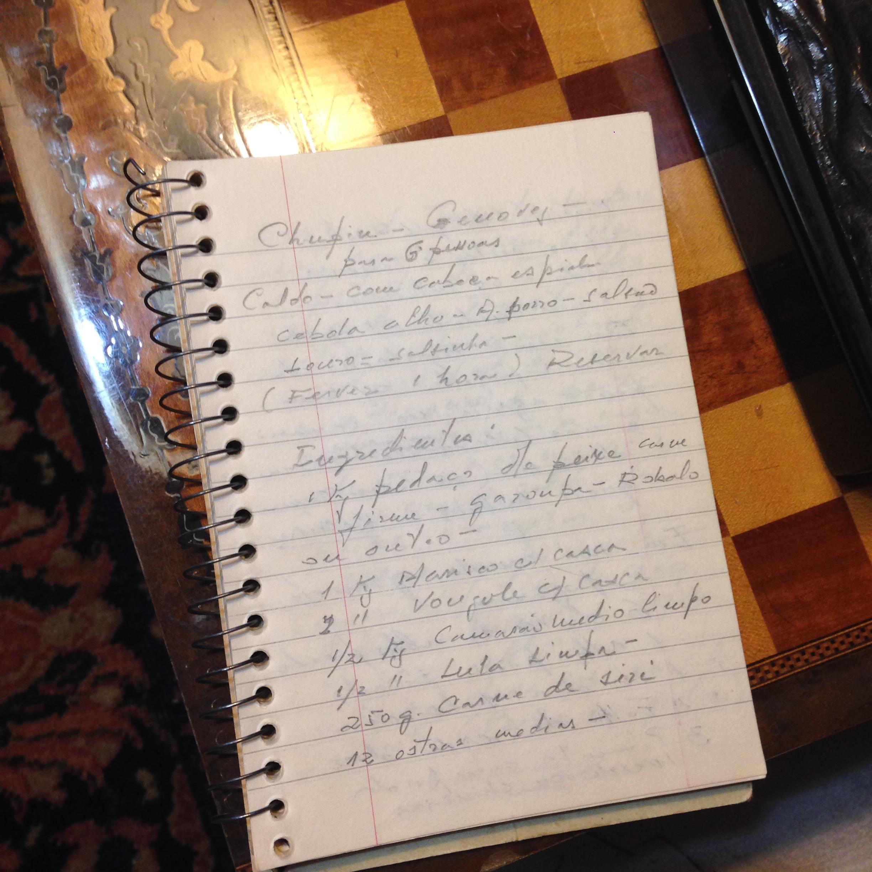 Precisei da ajuda do meu pai e da minha avó para traduzir a letra do meu avô, rs.