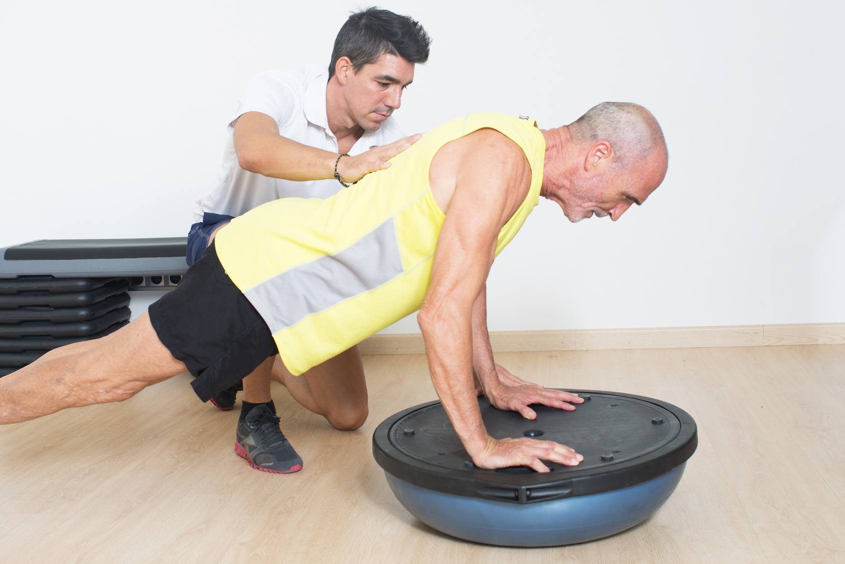 Are you looking for an exercise physiotherapist to improve core and balance for the elderly?