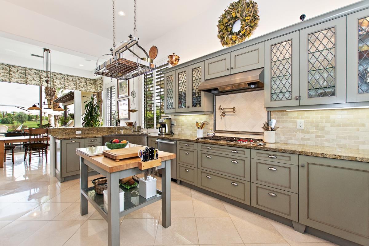 12-Kitchen(1).jpg