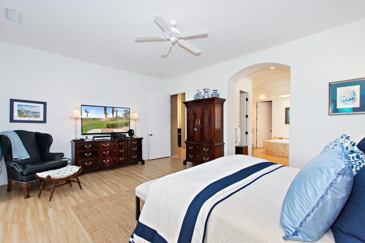 25-Master_Bedroom(3).jpg