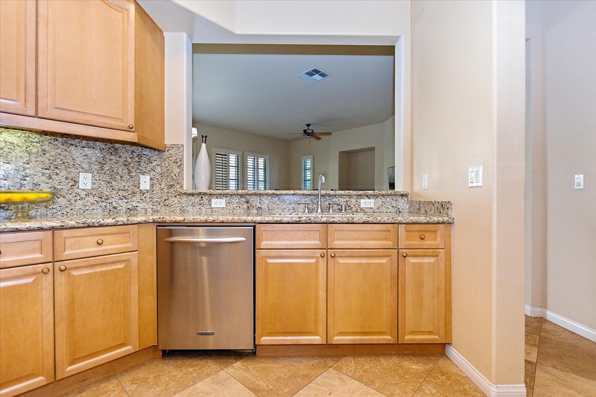 07-Kitchen(1).jpg