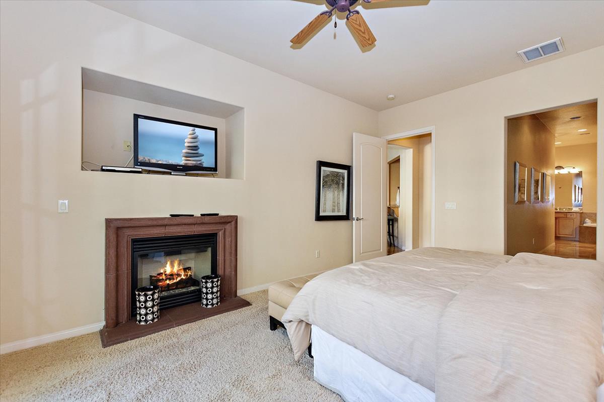 11-Master_Bedroom(2).jpg