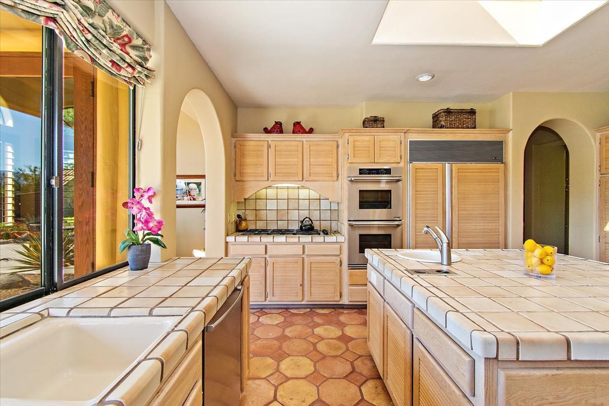 16-Kitchen(4).jpg