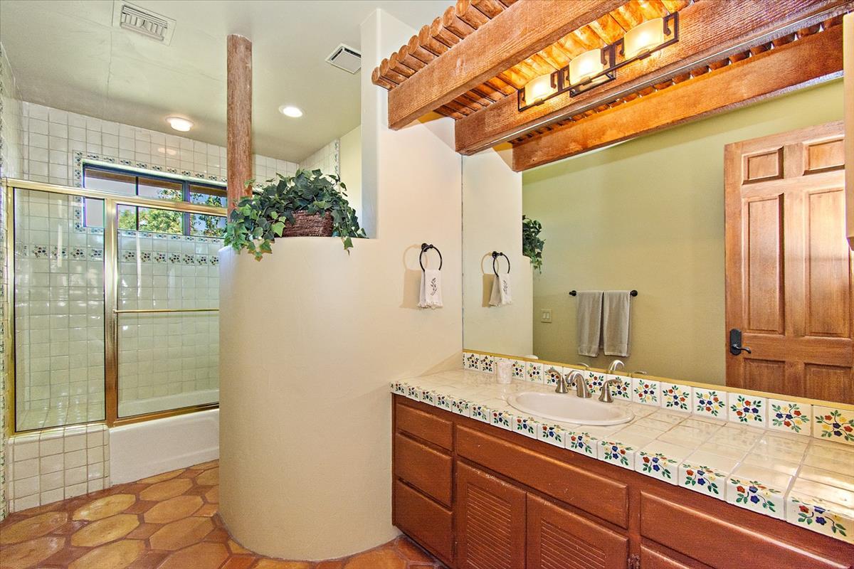 27-Bath.jpg