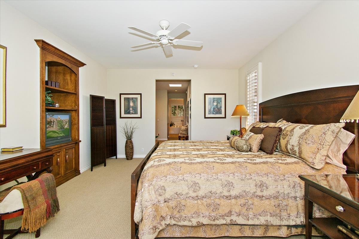 22-Master_Bedroom(2).jpg