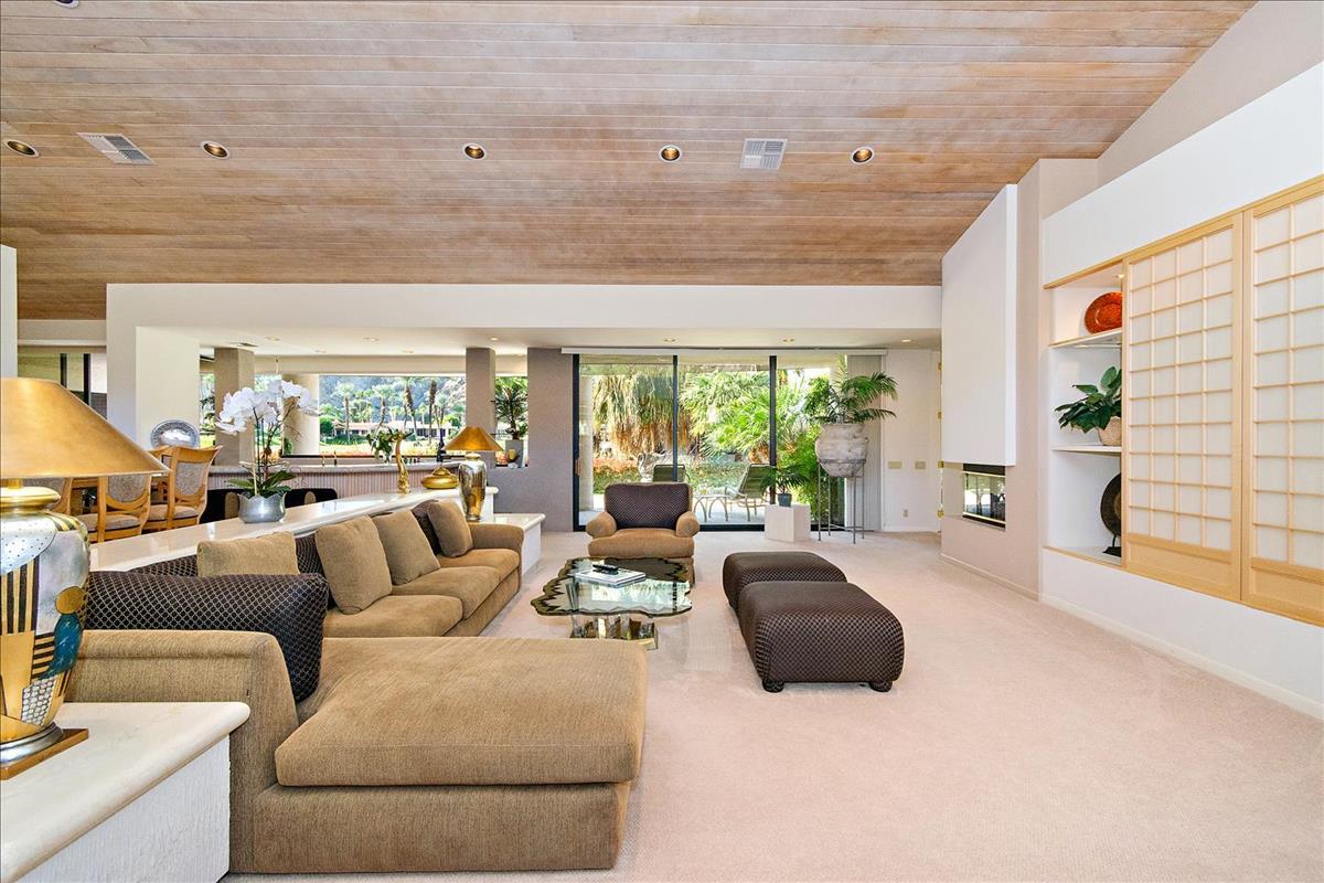 07-Living_Room(1).jpg