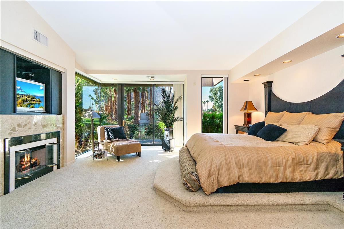 38-Master_Bedroom(2).jpg