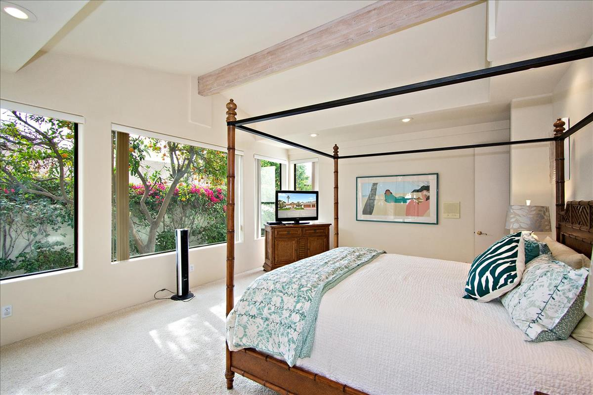 18-Master_Bedroom.jpg