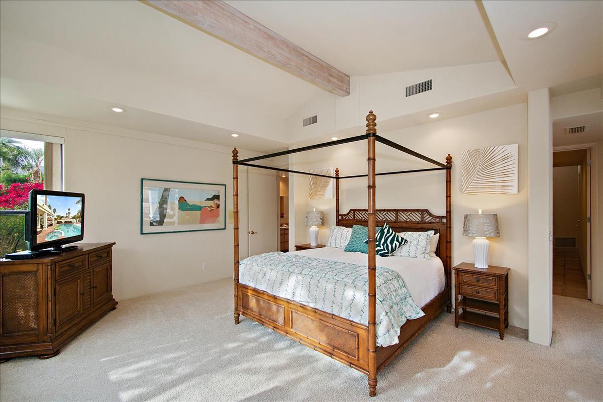 19-Master_Bedroom(1).jpg