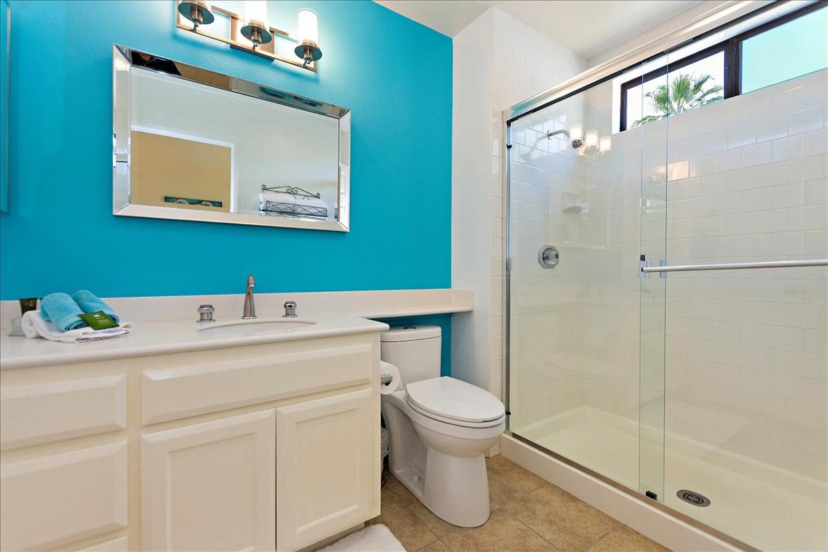 14-Bathroom.jpg