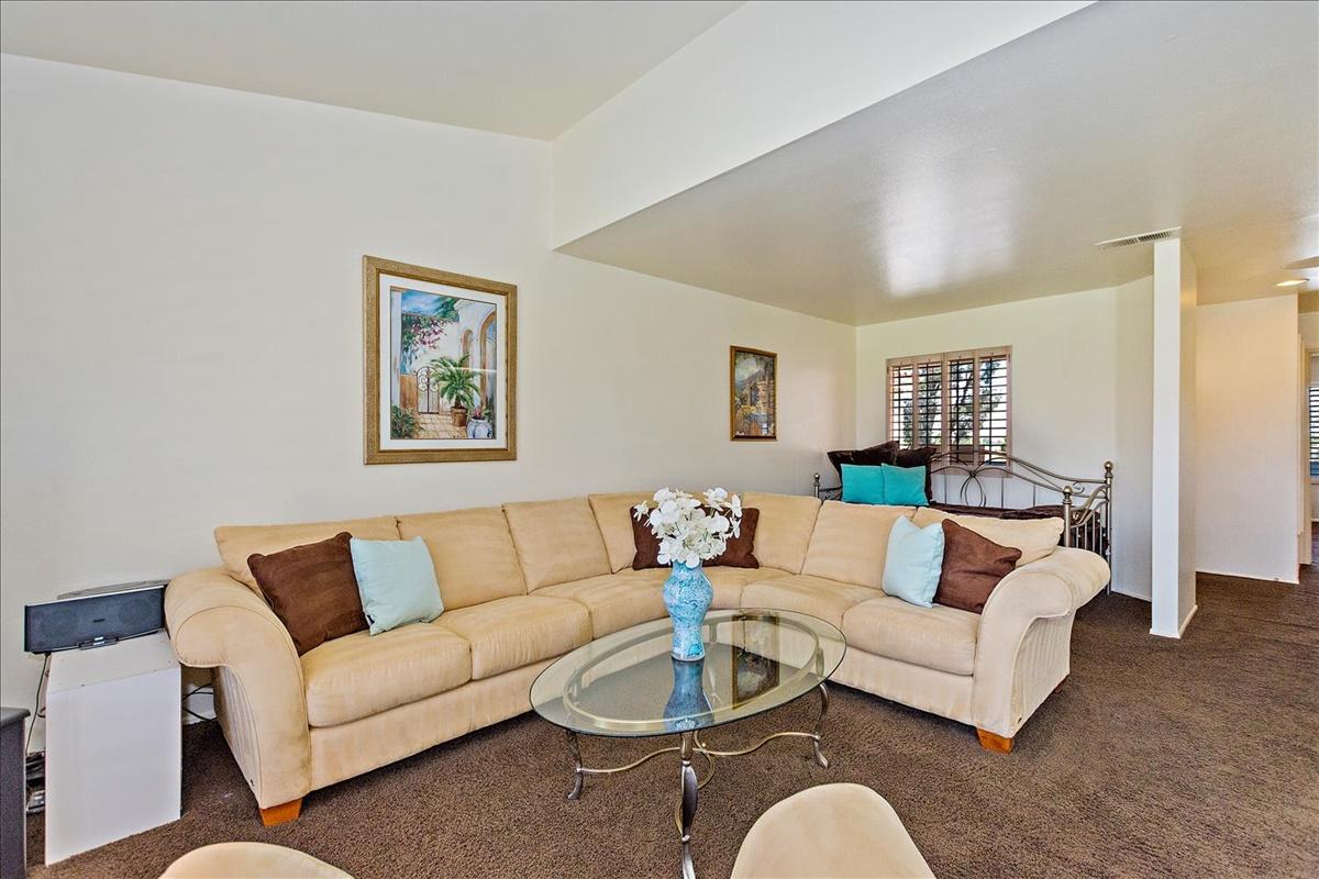 03-Living Room.jpg
