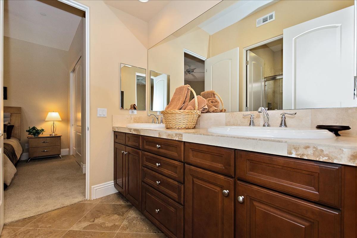 15-Bath.jpg