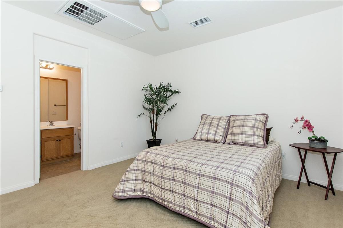 17-Bedroom 3.jpg