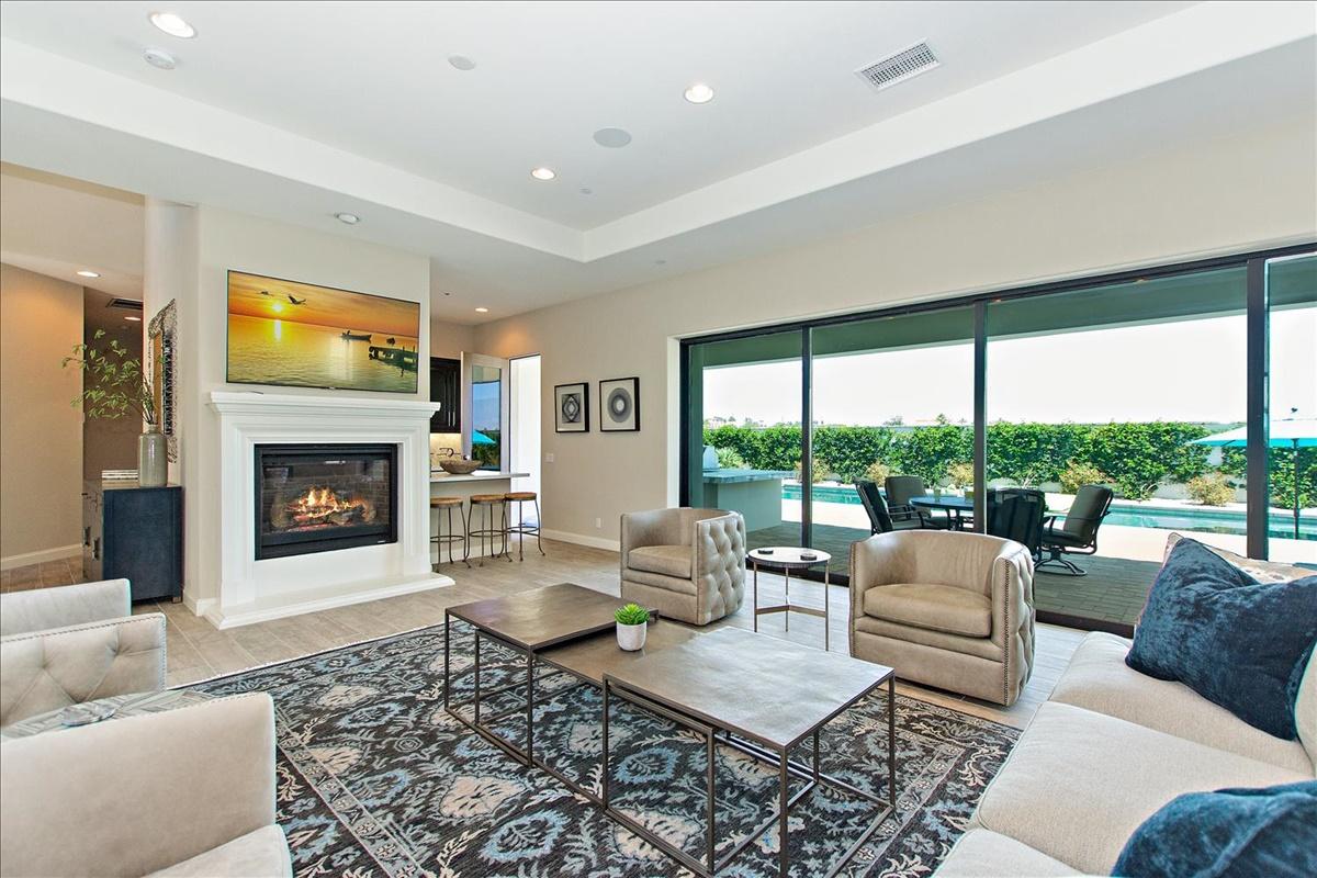 14-Formal Living Room.jpg