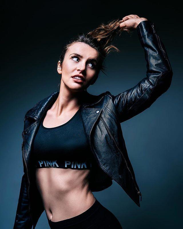 #editorialphotography #editorial #fashion #sexy #colorgrading #retouch #leatherjacket #model #dublinphotographer #beautiful #portrait #portraits #lighting #pose #fitnessmodel #fitness #skinretouch #irishmodel Model: @aurora_sethsmith