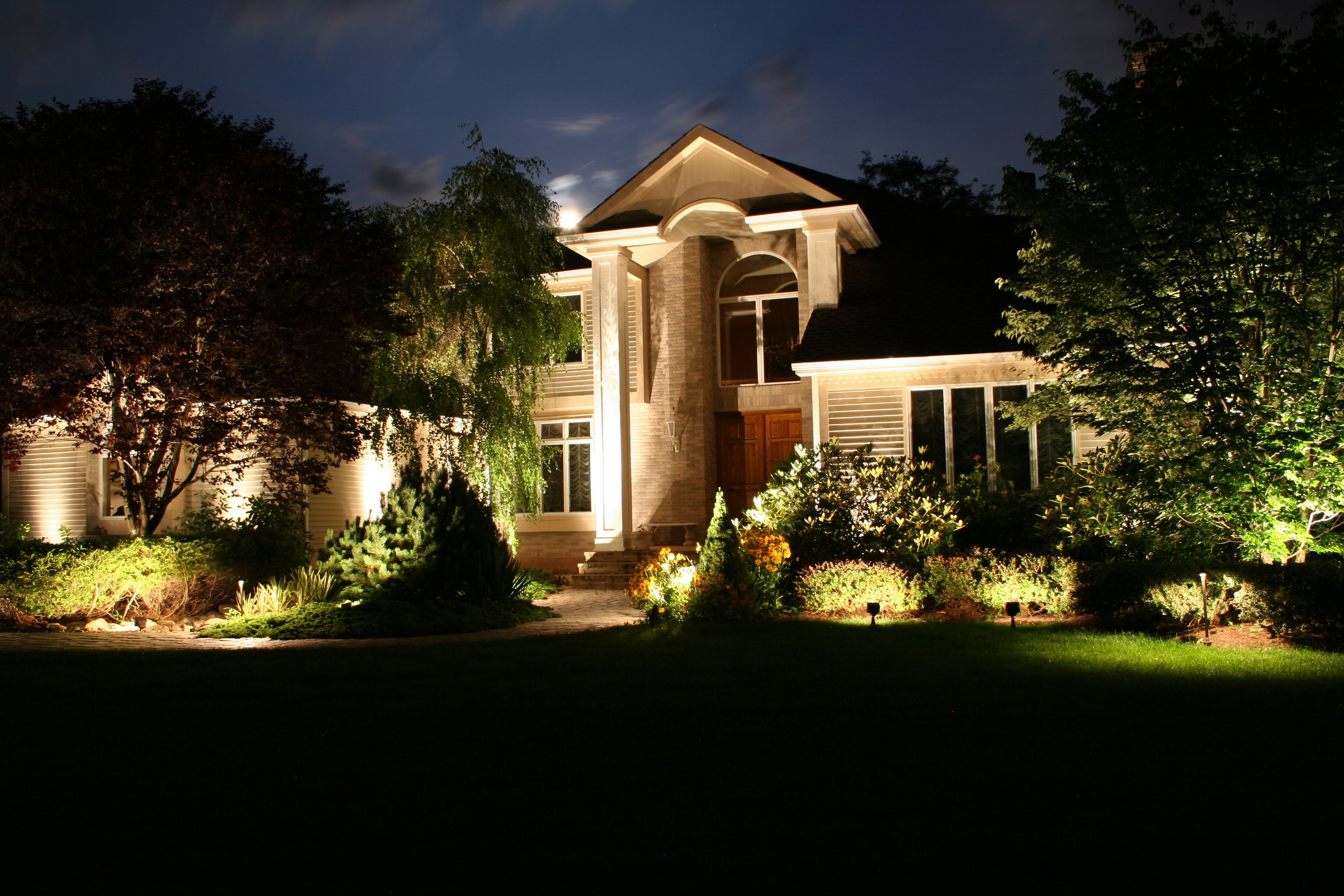 Landscape Lighting Image 2.jpg