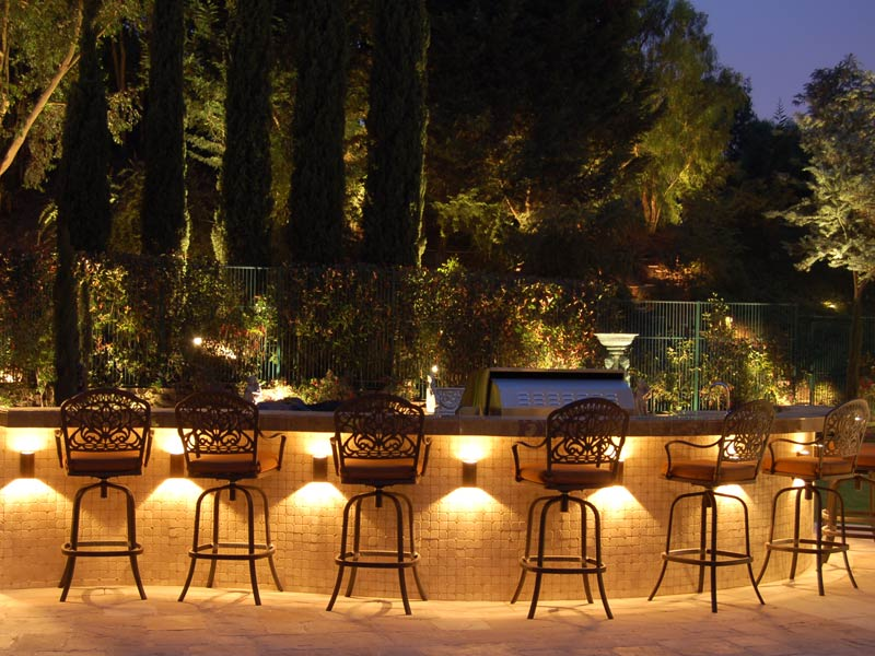 fabulous-outdoor-lighting-ideas-mackdmc-cheap_100926.jpg
