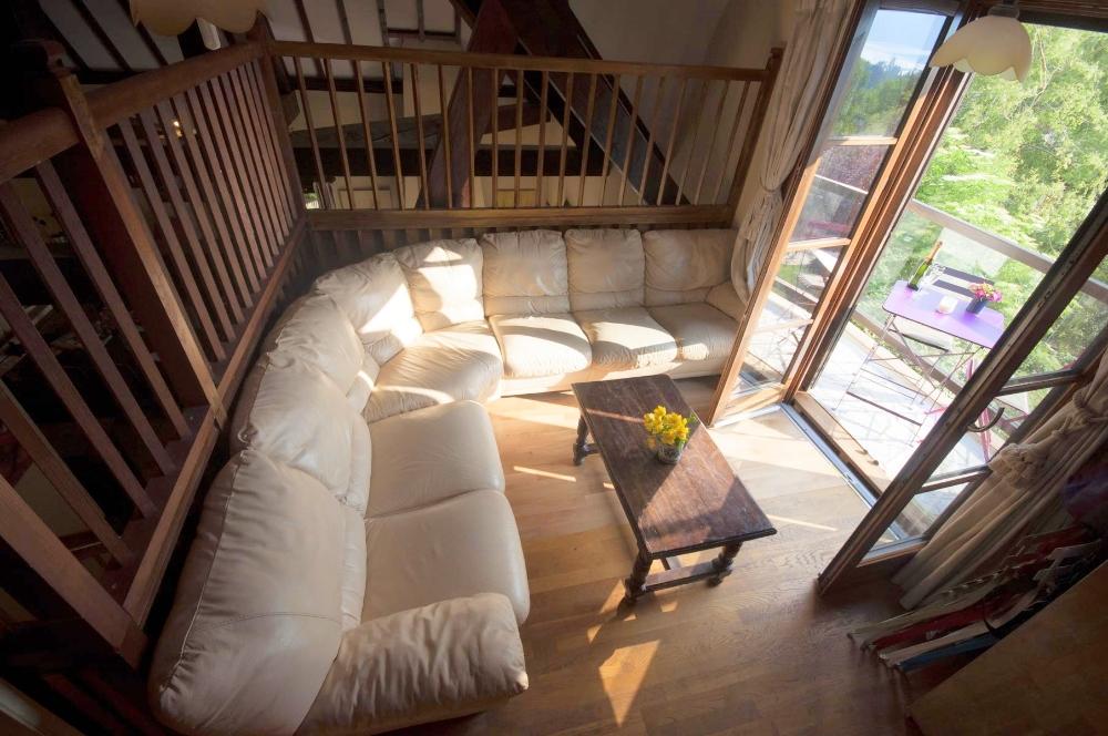 balcony1b.jpg