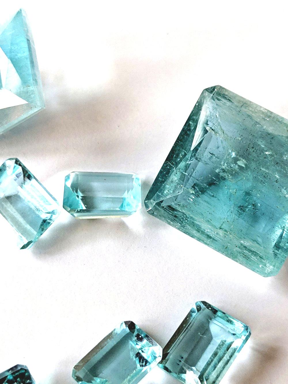 Aquamarine+stones+a.jpg