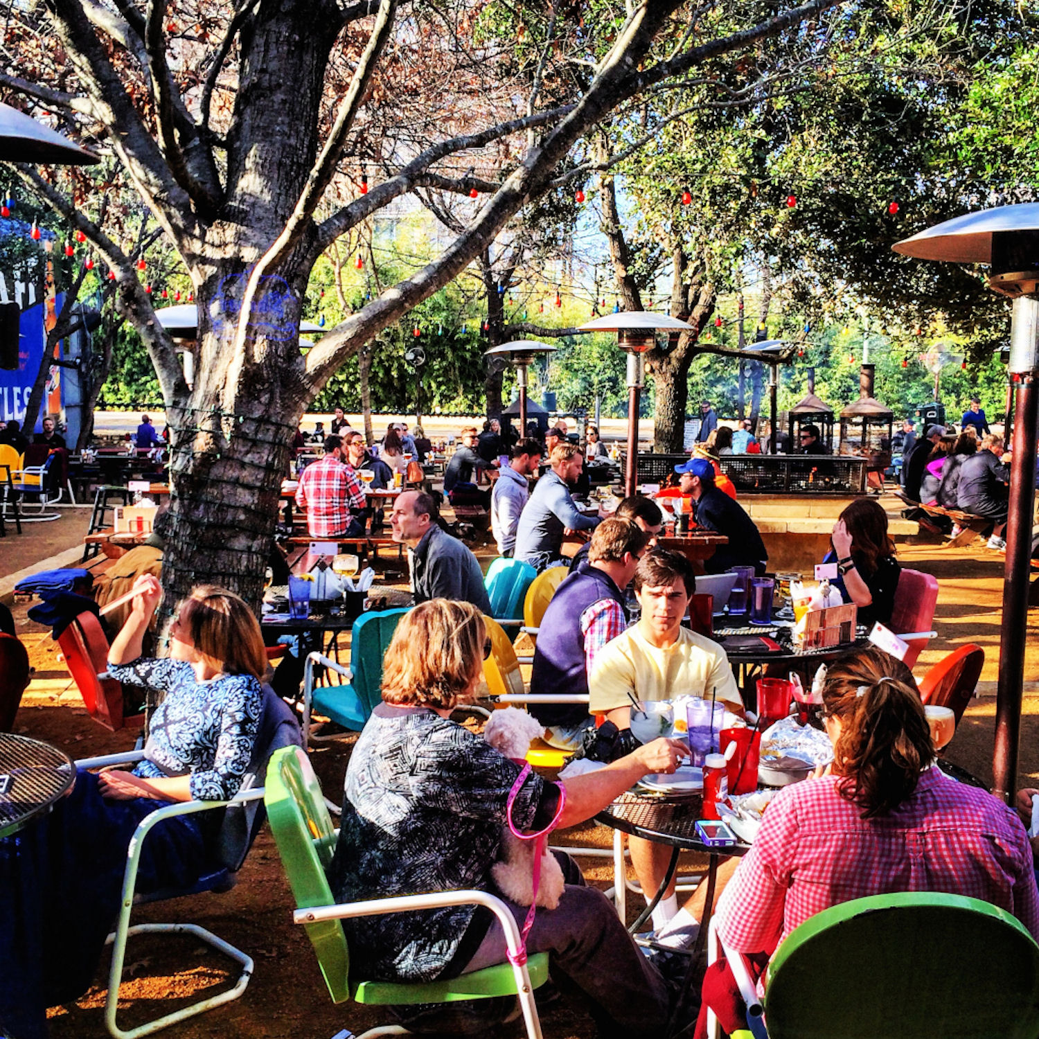 Outdoor drinking heaven at Katy Trail Ice House // Image via  katyicehouse.com