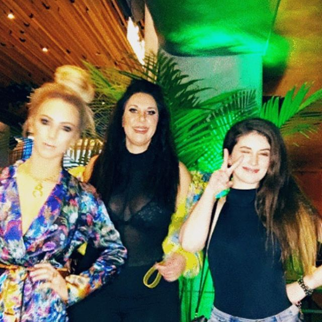// low quality picture, high quality betches // @ambercurvemodel @bellatrixortreat + myself at @fashionmingle NYFW networking party. ✨ . . . . .  #mkexplore #shotzdelight #rsa_streetview #vscoportrait #urbanandstreet #gearednomad #uncalculated #symmetricalmonsters #quietthechaos #thecreative #yngkillers #seemycity  #menswear #ootdmen #lookoftheday #snobshots #streetwear #urbanfashion #fashiondiaries #menwithstreetstyle #menstyle #fashionkiller #fashiongram #outfitfromabove  #nyfw