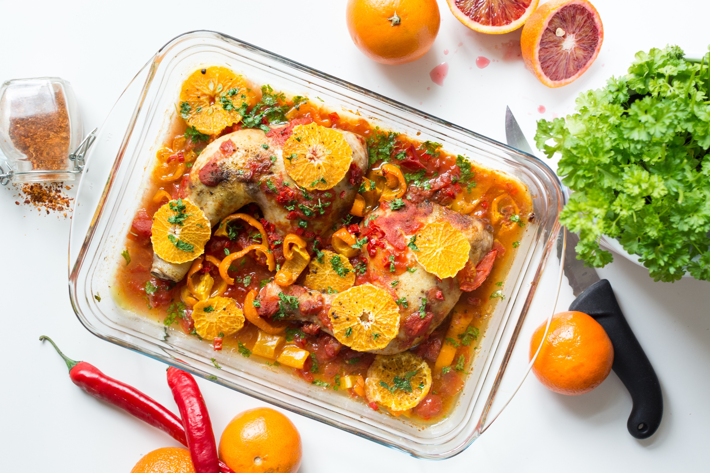 foodiesfeed.com_chicken-legs-tomatoes-peppers-oranges1.jpg