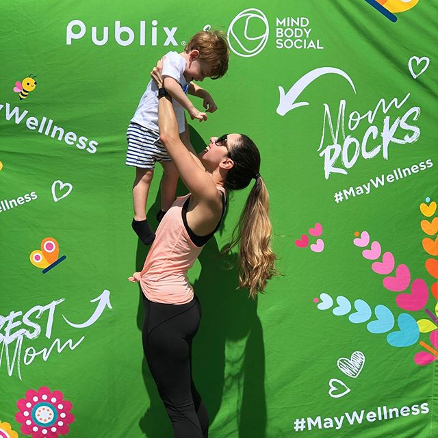 Starting off this beautiful mother's day weekend with my family at the park! So in love with my big boy 💚 this child brings so much happiness to our family it's insane..Te amo mi lindo mío!!! #mitodo . . . Thank you @mind_body_social and @publix @greenwisemarket @bnamiami for hosting the cutest family fitness and yoga day! #maywellness #mothersday #community #edgewater #miami #healthandwellness #dietitian #nutritionist #familytime
