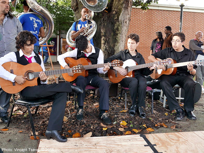 flamencoguitars150419jpg_26777696251_o.jpg