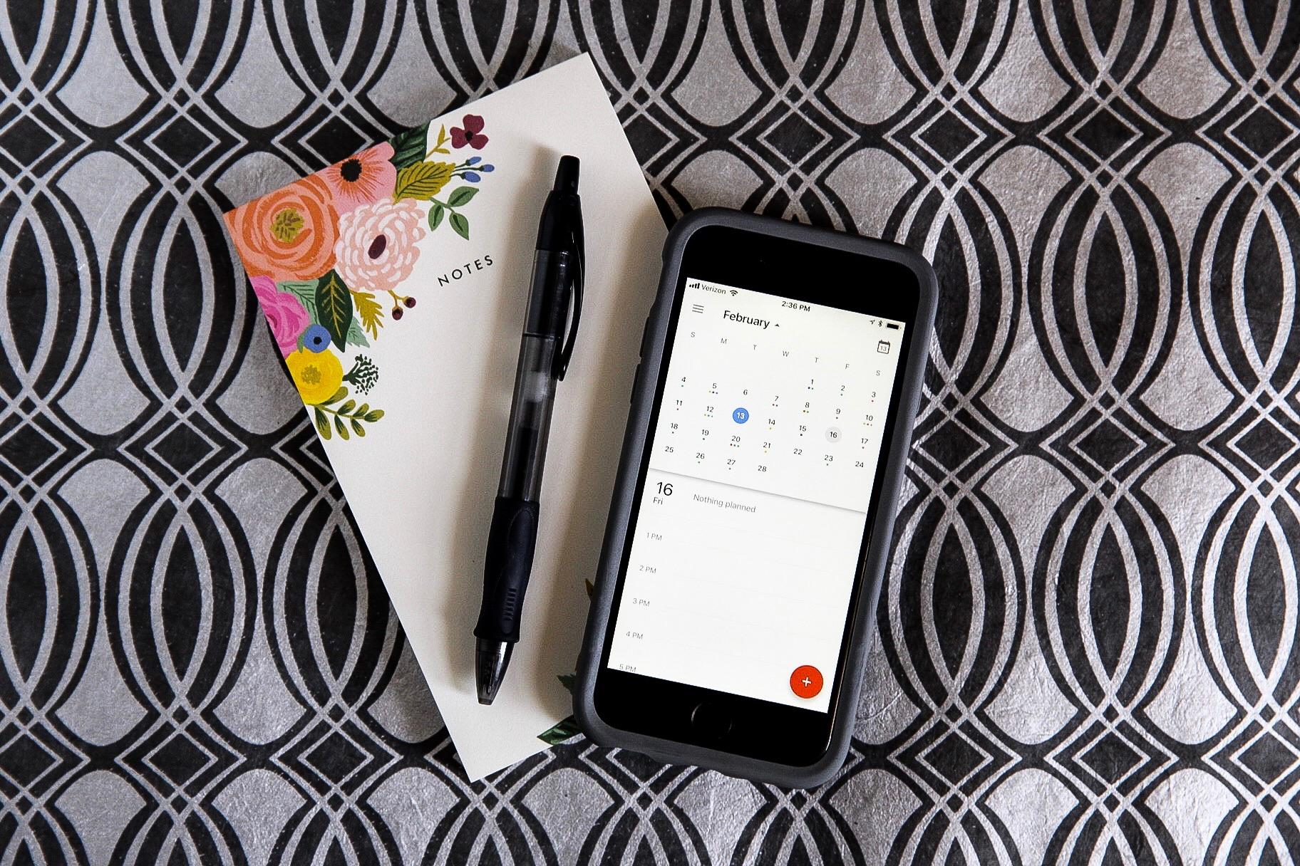 wedding-planner-cell-phone-notebook