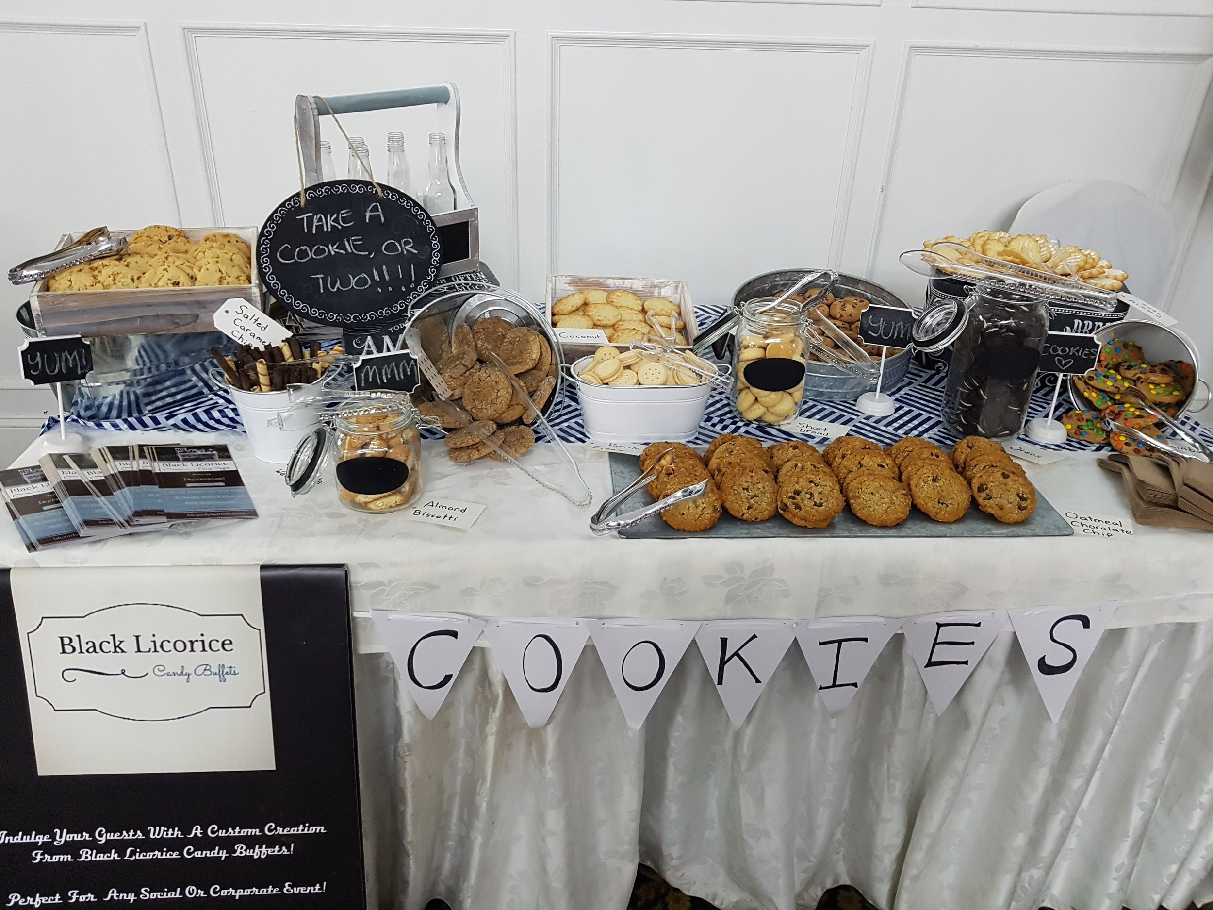 bl_candy_buffets_cookie_table