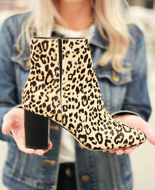 My shoe obsession! 🐆🖤😍 #chetahshoes #clairerobertsstyle