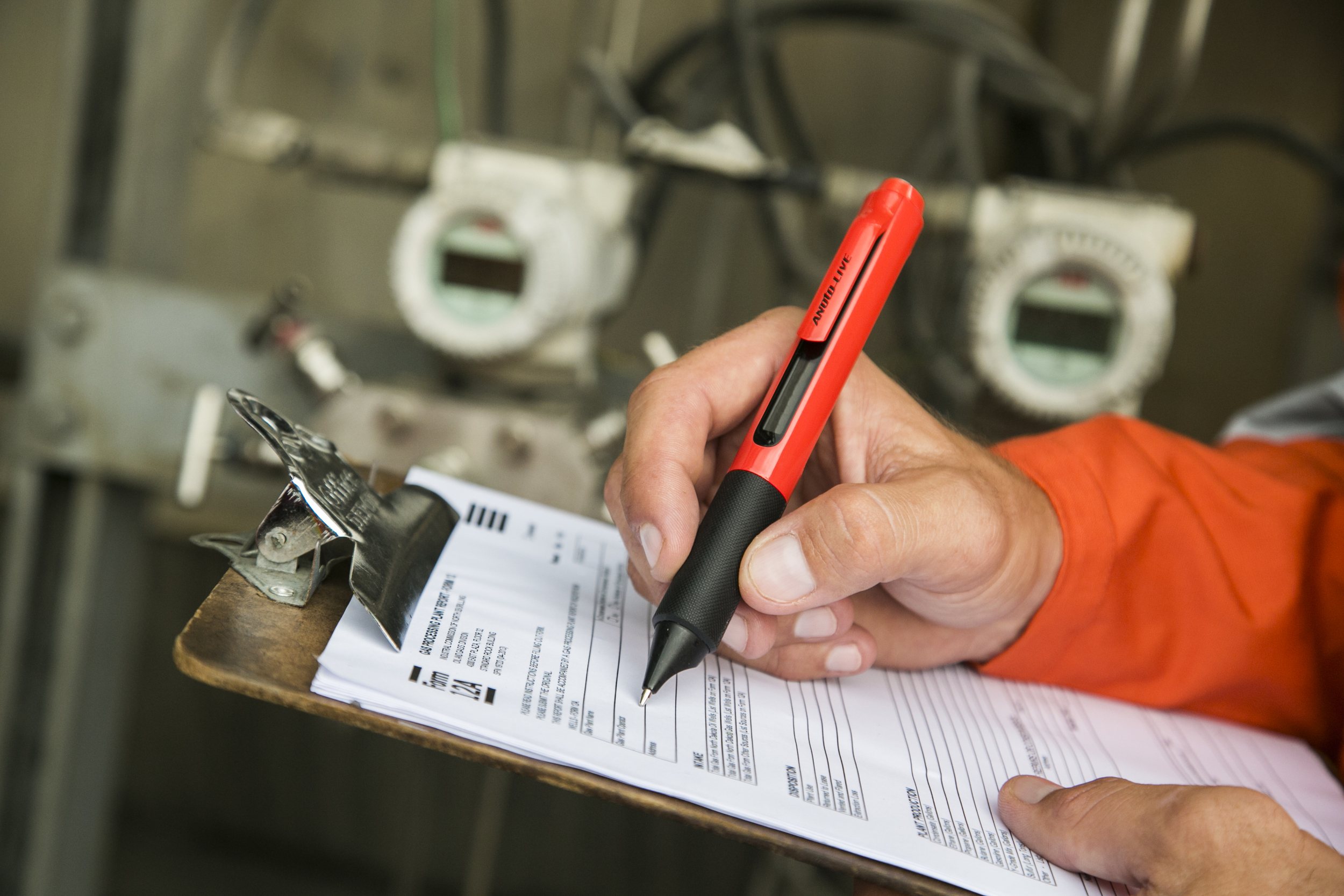 _MG_0878_Industrial_Male_Pen_View_Closeup.jpg