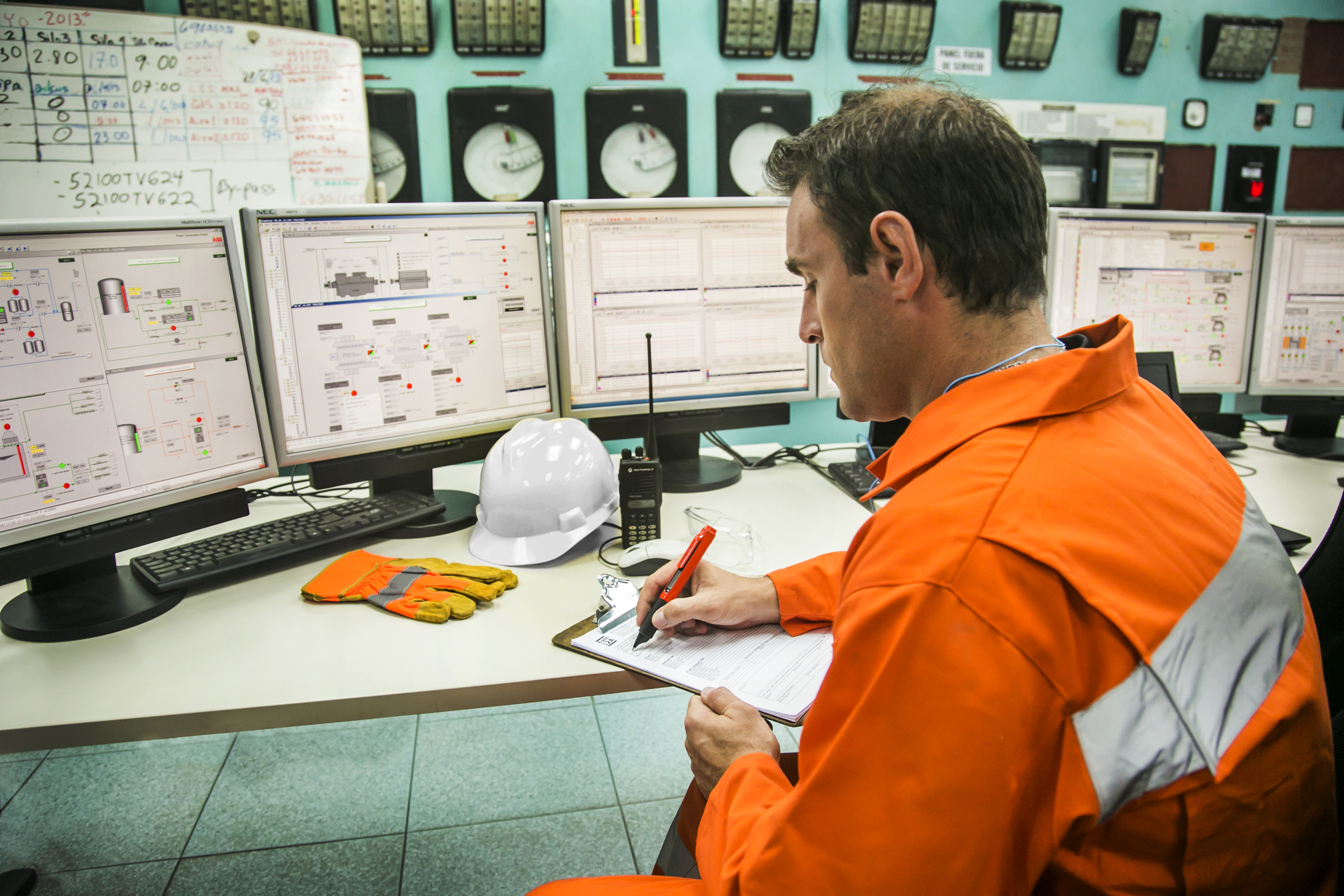 _MG_1168_Industrial_Male_Control_Room_Pen_View.jpg