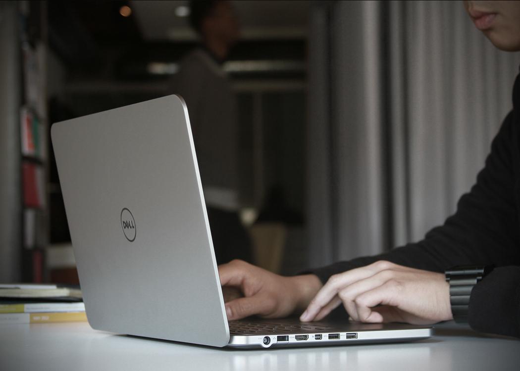 Xps_Laptop_2.jpg