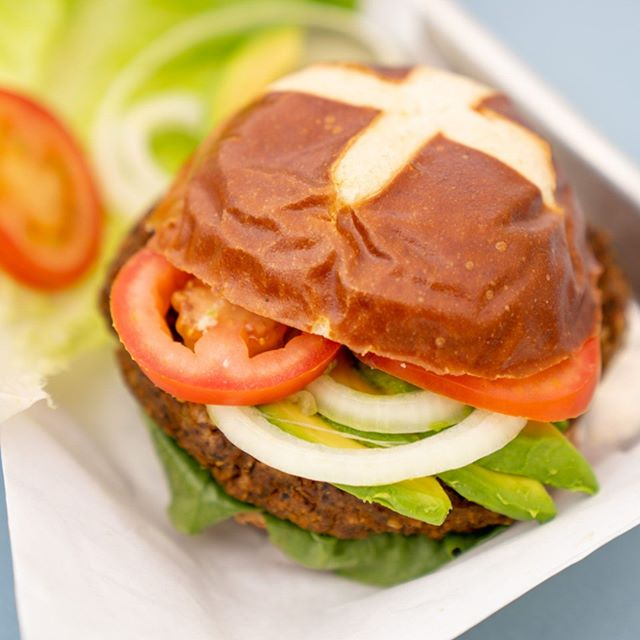 Take your burger #beyond by trying a healthy Black Bean Burger. The Black Bean Burger is naturally loaded with protein, fiber, vitamins, and minerals to help lower blood cholesterol and reduce risk of diverticular disease. In general, men and women need between 46g - 56g of protein per day, and the average Black Bean Burger has 10g! What are your favorite burger toppings to take it to the next level? 🌱  #veganburger🍔 #veganburgermaster #veggieburgers #veggieburger #blackbeanburger #blackbeanburgers #vegetableburger #proteinburger #plantbasedburger #plantbasedburgers #burgers #hamburgers #burgershop #veganburger #veganburgers #crueltyfree #willowglen