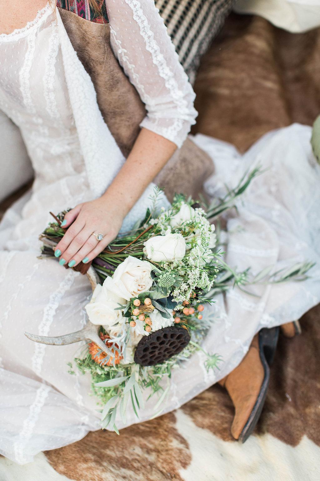 Savannah_Wedding_Photography_AptBPhotography_Styled485.JPG