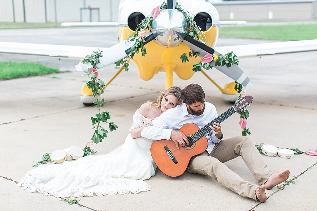 Savannah_Wedding_Photographer_Boho_Wedding_Dress_Vintage_Airplane025.JPG