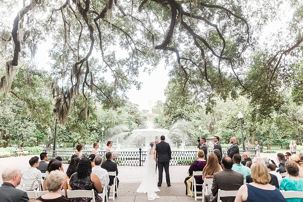 AptBPhotography_Savannah_Wedding_Photographer_Forsyth_Park_Vics_on_the_River047.JPG