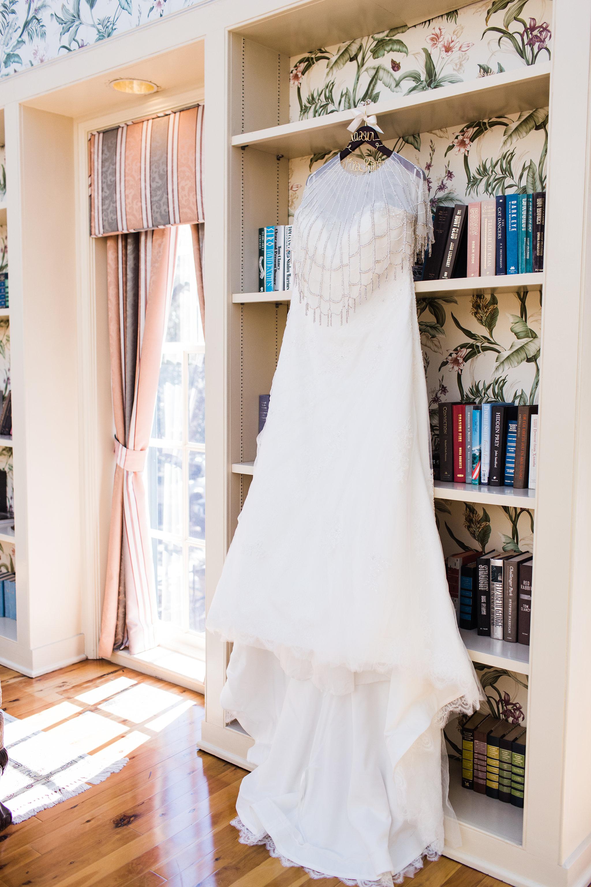 apt-b-photography-kristy-rob-wormsloe-elopment-savannah-wedding-photographer-savannah-elopement-wormsloe-wedding-historic-savannah-wedding-dress-3.jpg