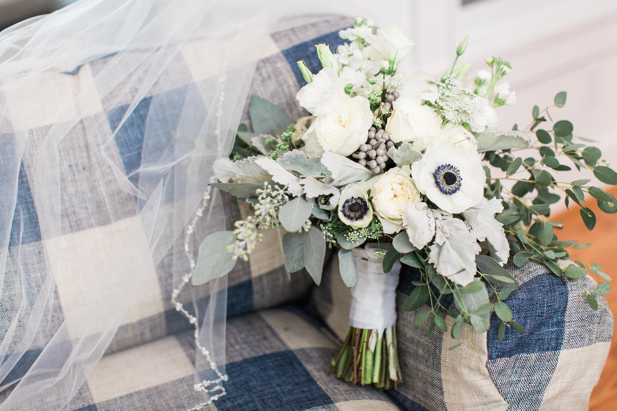 apt-b-photography-lauren-graham-oldfield-wedding-south-carolina-wedding-photographer-savannah-wedding-lowcountry-wedding-coastal-wedding-azalea-anns-florist-fall-wedding-1.JPG