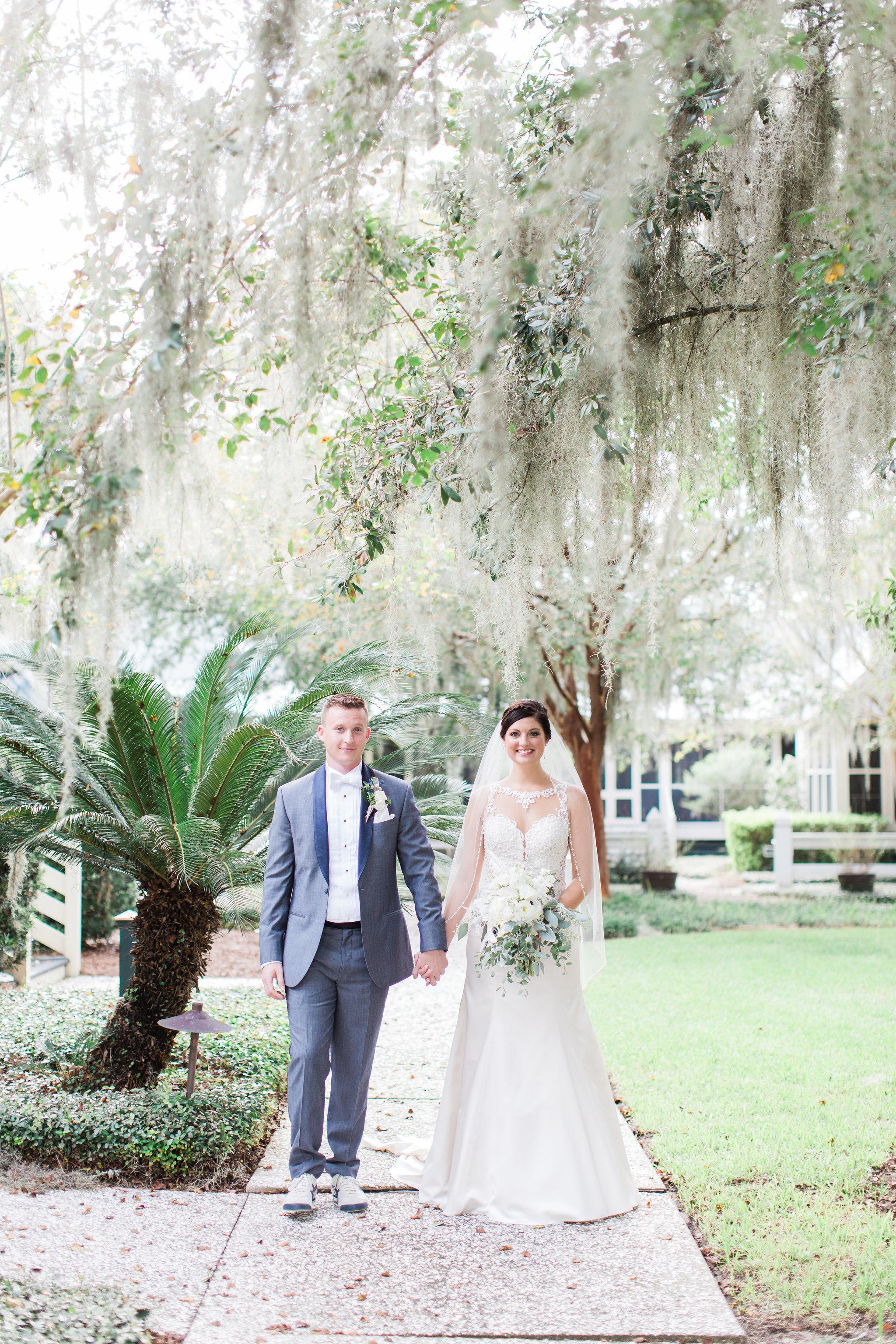 apt-b-photography-lauren-graham-oldfield-wedding-south-carolina-wedding-photographer-savannah-wedding-lowcountry-wedding-coastal-wedding-first-look-15.JPG
