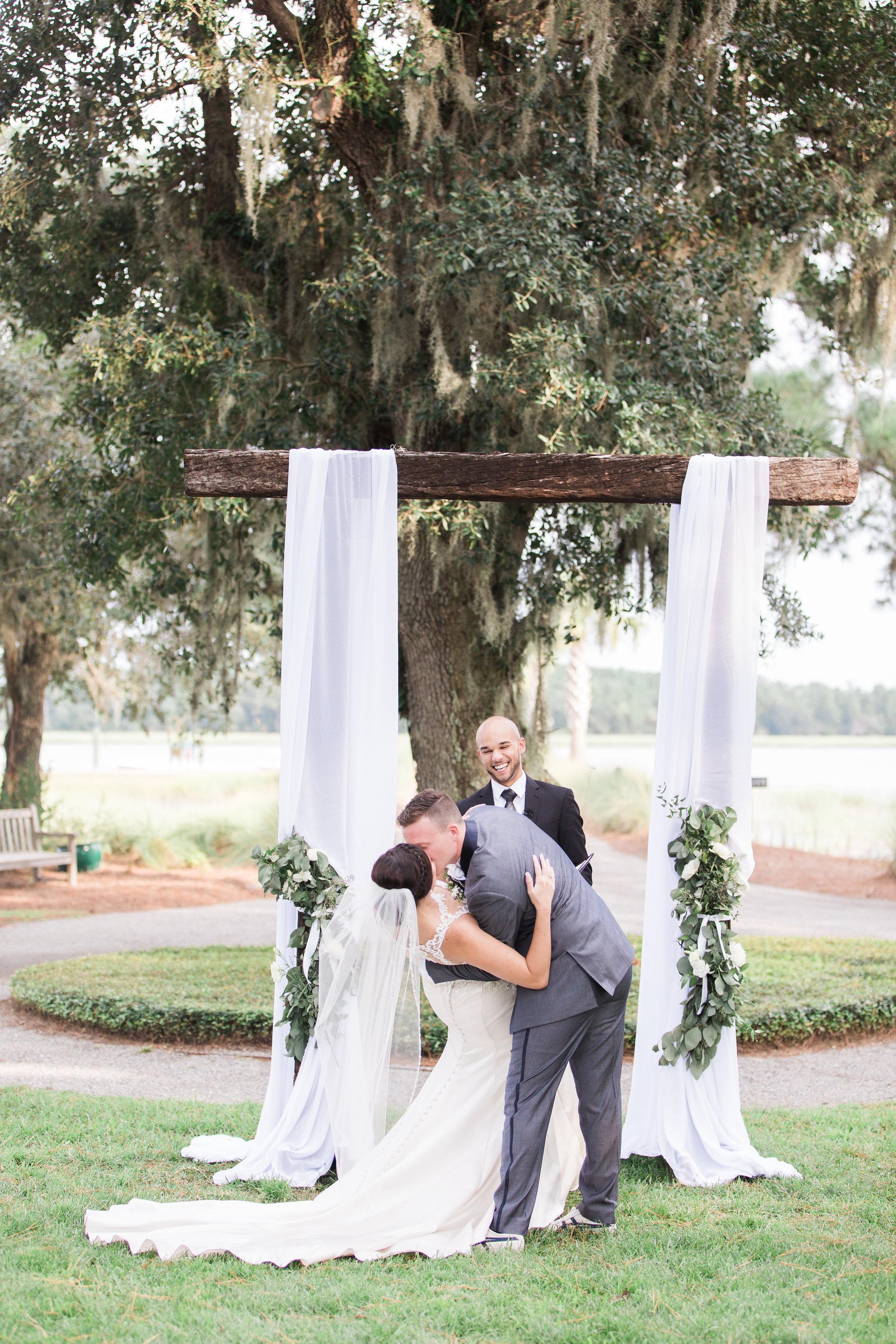 apt-b-photography-lauren-graham-oldfield-wedding-south-carolina-wedding-photographer-savannah-wedding-lowcountry-wedding-coastal-wedding-navy-wedding-plantation-wedding-first-kiss-28.JPG