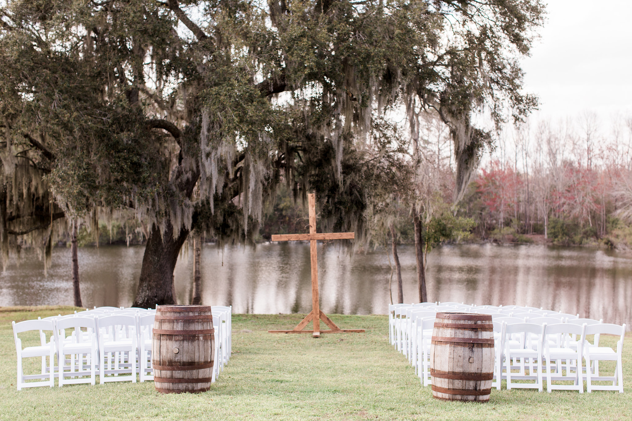 Andrea-brad-apt-b-photography-savannah-wedding-savannah-wedding-photographer-red-gate-barn-wedding-marsh-wedding-river-wedding-historic-savannah-barn-rustic-wedding-18.JPG