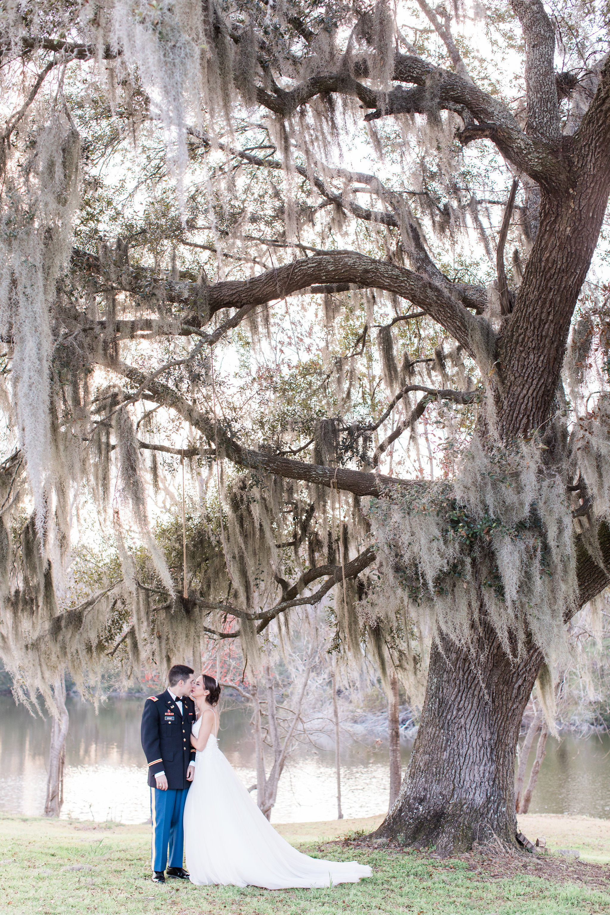 Andrea-brad-apt-b-photography-savannah-wedding-savannah-wedding-photographer-red-gate-barn-wedding-army-wedding-military-wedding-historic-savannah-barn-rustic-wedding-17.JPG