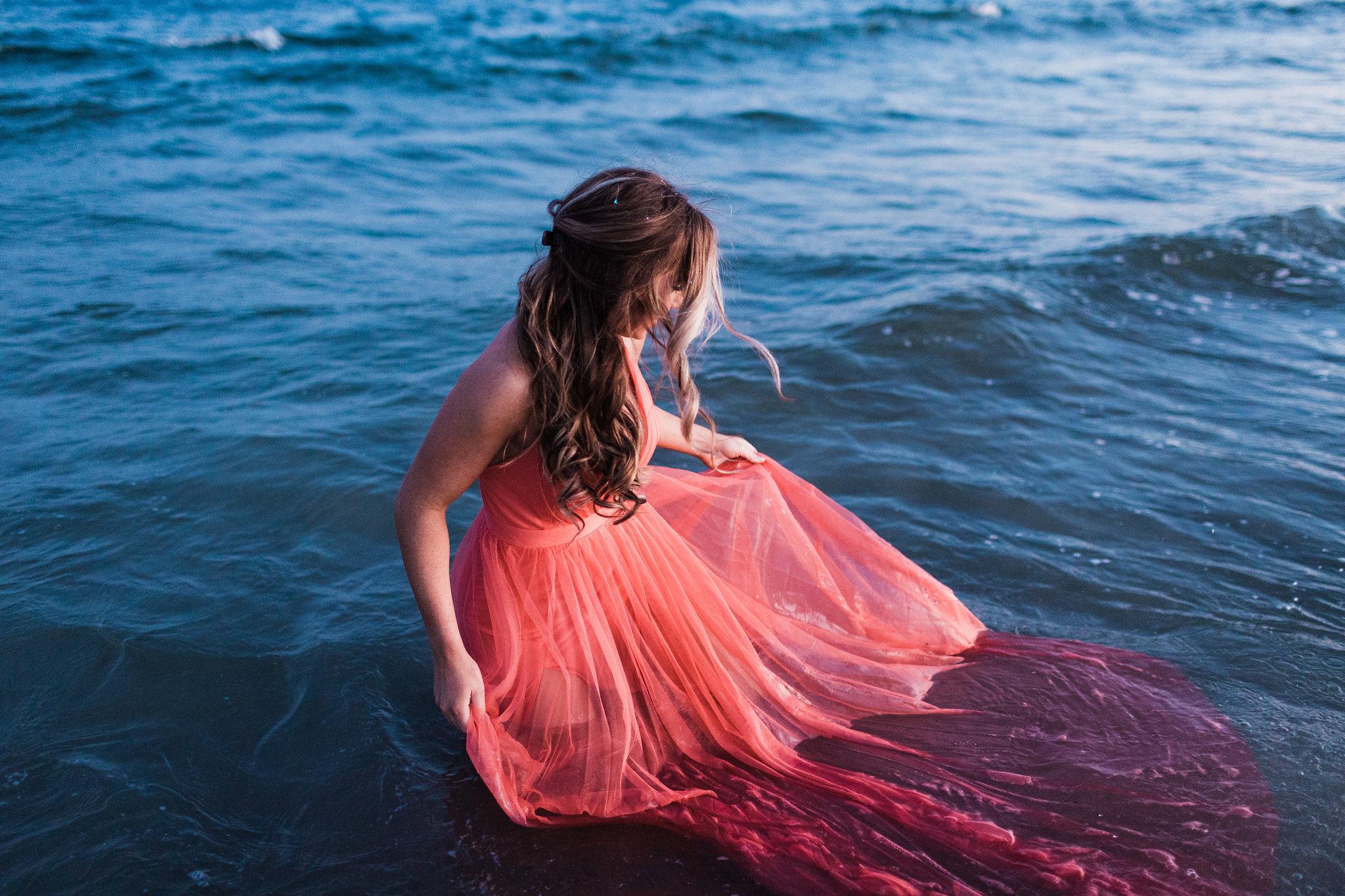 Erin-kevin-apt-b-photography-tybee-island-engagement-photoshoot-savannah-engagement-savannah-wedding-savannah-wedding-photographer-tybee-island-wedding-beach-engagement-tybee-island-sunset-27.jpg