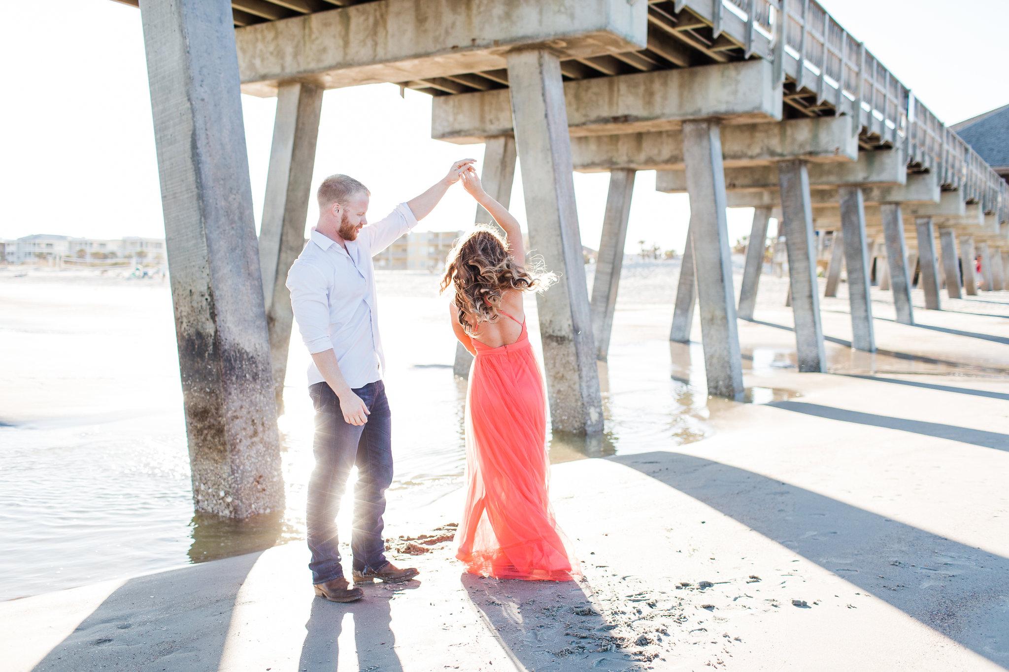 Erin-kevin-apt-b-photography-tybee-island-engagement-photoshoot-savannah-engagement-savannah-wedding-savannah-wedding-photographer-tybee-island-wedding-beach-engagement-7.jpg